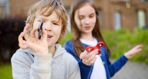تربیت فرزند در کنار خواهر یا برادر اتیسم خود